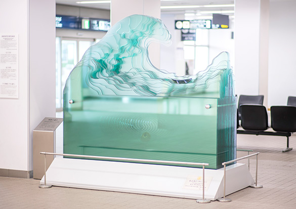 「無限の遠方」ガラスオブジェのイメージ画像